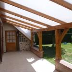 Création dun abrit de terrasse en bois et toiture en polycarbonate dans l'Aube